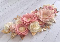 489 vind-ik-leuks, 85 reacties - Custom Felt Flower Decor (@thegreyrose) op Instagram: 'I love this custom wall flower arrangement! It will be paired with a @thetrendytimber name sign. I…'