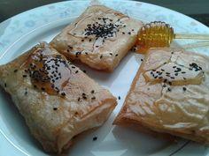 Φέτα σαγανάκι με μέλι και σουσάμι !!! ~ ΜΑΓΕΙΡΙΚΗ ΚΑΙ ΣΥΝΤΑΓΕΣ 2 Recipe For Success, Pleasing Everyone, Greek Recipes, Easy Meals, Cooking, Ethnic Recipes, Food, Kitchen, Essen