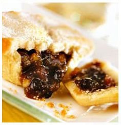 Hulett's Recipe for freshly baked Little Mince Pies that are a Christmas classic but these mouth watering treats can be enjoyed anytime! Mince Pie Pastry, Mince Pies, Cake Flour, Freshly Baked, No Bake Cake, Good Food, Cooking Recipes, Interesting Recipes, Treats