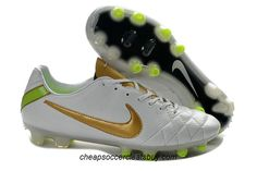 premium selection d6703 80a08 Chaussure de foot pas cher Nike Tiempo Legend IV FG Blanc Or