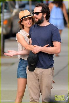 #2 Keri Russell & Matthew Rhys Look So Cute Together On Their Romantic
