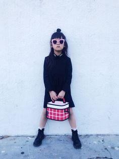 stylish little model Fashion Bags, Kids Fashion, Style Fashion, Fashion Accessories, 2d Bags, Jump From Paper, Cartoon Bag, Art Bag, Red Handbag