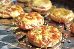 Sprinkles of Parsley: Homemade Bagel Bites