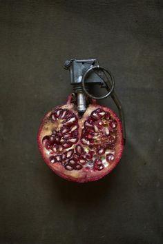 Creatief met voedsel. Kunstwerken gemaakt van etenswaren: Granaatappel. Kunstenaar: Sarah Illenberger