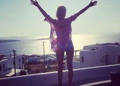 Celebrating the sunrise Greece, Sunrise, Happiness, Concert, Celebrities, Happy, Greece Country, Celebs, Bonheur