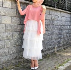 Are you looking for cute eid outfits ideas to copy? Or perhaps you're after eid outfits ideas with hijab. Whatever it is that you're after, you'll find the best from modest hijab dresses, Arab…Read Muslim Fashion, Modest Fashion, Skirt Fashion, Hijab Fashion, Fashion Dresses, Fasion, Casual Hijab Outfit, Hijab Chic, Eid Dresses