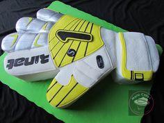pastel guante de futbol, goalkeeper glove cake