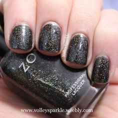 Zoya Storm | Review & Swatches