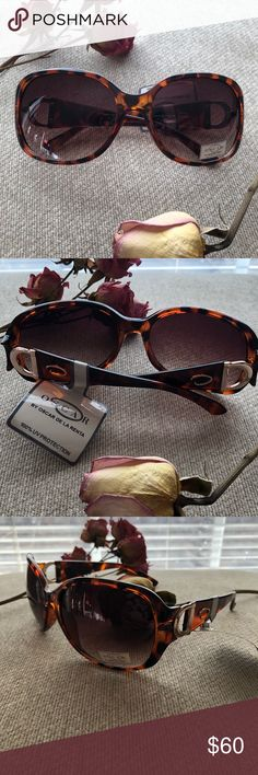 Spotted while shopping on Poshmark: NWT Oscar de la Renta Sunglasses ! #poshmark #fashion #shopping #style #Oscar de la Renta #Accessories