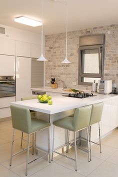 ליאור שמר רהיטים מציגים מטבח מודרני מעוצב לפי דרישה. צפו בקטלוג המטבחים המדהים שלנו, צרו קשר ובואו לבקר אותנו במושב שילת. מגוון של מטבחים מודרניים, כפריים