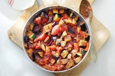While a traditional ratatouille can take over an hour to cook, the multi-cooker cuts that time in half while keeping cleanup to a minimum. Veggie Recipes, Vegetarian Recipes, Dinner Recipes, Healthy Recipes, Quick Meals, No Cook Meals, Good Food, Veggies, Tapas