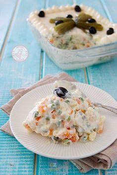 insalata russa la ricetta perfetta di #allacciateilgrembiule Creamy Pasta Dishes, Finger Foods, Allrecipes, Italian Recipes, Potato Salad, Buffet, Food And Drink, Favorite Recipes, Baking