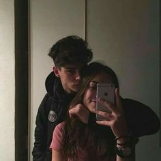 J i l l g r a c e ▽ teen love couples, cute young couples, cute couples hugging Cute Couples Photos, Cute Couple Pictures, Cute Couples Goals, Couple Things, Cute Couples Hugging, Cute Teen Couples, Teen Couple Pictures, Love Pics, Cute Boyfriend Pictures