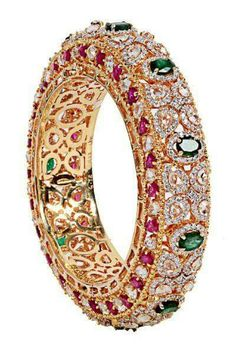 Browse through thousands of W… Best Diamond Bracelets : Wedding Jewellery Photos. Browse through thousands of Wedding Jewellery Photos f Diamond Bracelets, Diamond Jewelry, Gold Jewelry, Vintage Jewelry, Fine Jewelry, Swarovski Jewelry, Jewelry 2014, Ruby Bangles, Craft Jewelry