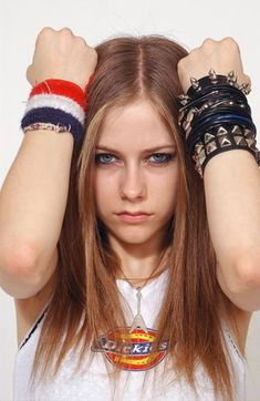 Dickies t-shirt - - AvrilPix Gallery - The best image, picture and photo gallery about Avril Lavigne - AvrilSpain. Pop Punk, Avril Lavigne Style, Avril Lavigne Let Go, Avril Levigne, Badass Women, Female Singers, Celebs, Celebrities, Role Models
