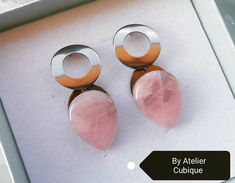 Unique earrings with pink quartz cabochons. 💛 Find us on Facebook! #handmade #earrings #pinkquartz #pink #unique #oneofakind #AtelierCubique #madeinromania Pink Quartz, Unique Earrings, Gemstone Rings, Gemstones, Facebook, How To Make, Handmade, Jewelry