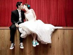 Star Wedding, Wedding Wishes, Wedding Pics, Wedding Couples, Wedding Engagement, Wedding Day, Chucks Wedding, Wedding Sneakers, All Star
