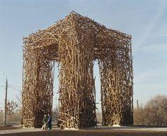 Las impresionantes estructuras artesanales de Nikolay Polissky