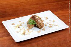 Cais da Ribeira (almoço)    Mini Bolo de Mel rico da Ilha de Madeira ou Mini Torta de Avelã com calda de vanille