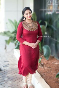 Anu Sithara Sexy stills Men's Fashion, Fashion Week, Indian Fashion, Fashion Dresses, Fashion Designer, Indian Designer Wear, Designer Dresses, Kurta Designs, Blouse Designs