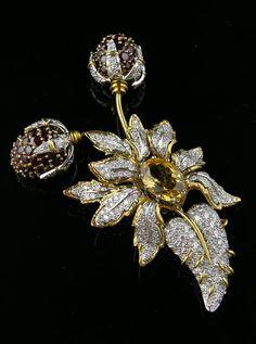White and yellow diamond brooch