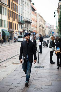 2015-10-31のファッションスナップ。着用アイテム・キーワードはジャケット, テーラード ジャケット, デニム, ドレスシューズ, ハンチング・キャスケット,etc. 理想の着こなし・コーディネートがきっとここに。| No:126210