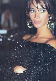 Nelle luci della sera - Max Mara Italia (1991) Model: Christy Turlington
