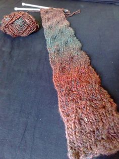 Free Pattern: Chunky Knit Reversible Cable Scarf