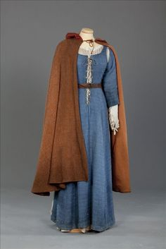 Medieval underdress and cloak - traditionally this is what i envision Helga wearing