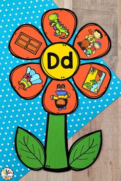 This Flower Beginning Sounds Sort Activity is an engaging, hands-on way to practice identifying initial sounds. Your students will have fun sorting and matching the beginning sounds to the letter and putting the petals around the flower. This Spring activity is perfect for literacy centers, morning tubs, or as an enrichment activity for early finishers. Click on the picture to learn more about this Spring beginning sounds sorting activity! #beginningsoundssort #initialsoundssort