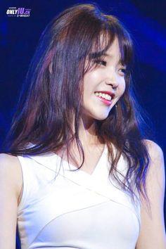 IU 160827 in ShenZhen Korean Beauty Girls, Asian Beauty, Beautiful Celebrities, Beautiful Women, Just Girl Things, Soyeon, Korean Actresses, Ulzzang Girl, Korean Singer