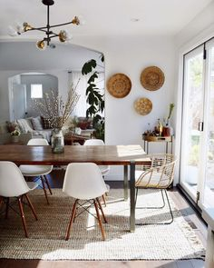 Get inspired by Modern Dining Room Design photo by Kristin Dion. Wayfair lets you find the designer products in the photo and get ideas from thousands of other Modern Dining Room Design photos. Boho Living Room, Home And Living, Living Room Decor, Modern Living, Room Interior, Interior Design Living Room, Interior Livingroom, Dining Room Inspiration, Dining Room Design