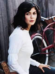 Love this cut and style. Afraid mine would look too stiff and frizzy though. Audrey Tautou