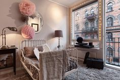 Timeless elegance in Stockholm (and the virtues of Home Staging) - Home Design & Interior Ideas Home Staging, Scandinavian Interior, Home Interior, Interior Design, Stockholm Apartment, Swedish House, Small Furniture, Warm Colors, Decoration