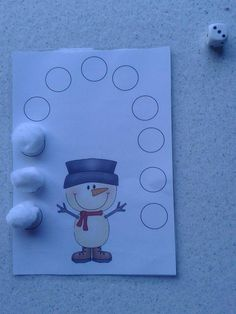Thema winter: dobbel mee met de sneeuwman Winter theme: dice along with the snowman! give the snowman his snowball dice Winter Activities For Toddlers, Craft Activities For Kids, Games For Kids, Crafts For Kids, Winter Kids, Baby Winter, Reindeer Craft, Snowman, Winter Thema