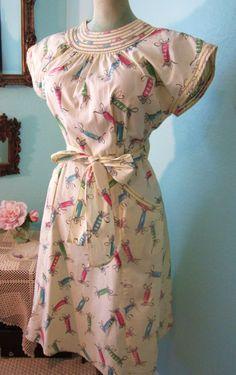 1940s Swirl Wrap Dress | The Vintage Traveler