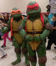 More Friday cosplay from #ACCC2016! Turtles! #cosplay #alamocitycomiccon #tmnt #teenagemutantninjaturtles #furrycomics #anthropomorphic #conlife #conventions #myphotos