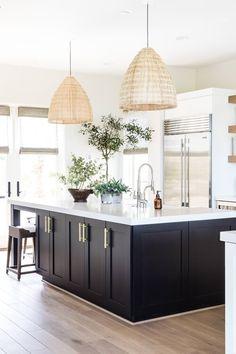 Palm Springs Interior Design, Interior Desing, Home Decor Kitchen, Kitchen Interior, Home Kitchens, Bright Kitchens, Kitchen Ideas, Beautiful Kitchen Designs, Beautiful Kitchens