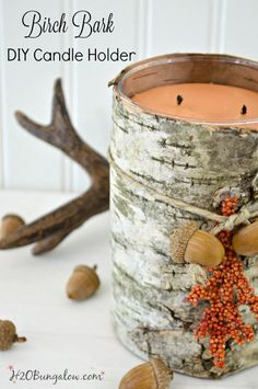 épinglé par ❃❀CM❁✿⊱Easy DIY birch bark candle tutorial to make this upscale fall decor with a scented candle. Light it and fill your home with the warm scents of fall. Simple DIY steps with good resources to find birch bark. Fall Crafts, Decor Crafts, Home Crafts, Diy Crafts, Resin Crafts, Diy Candle Holders, Diy Candles, Scented Candles, Birch Bark Crafts