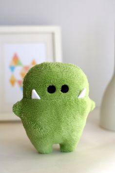 """Monster """" Siggi """" grün zum kuscheln!"""