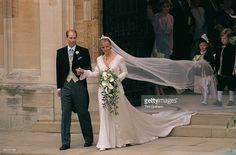 prince-edward-and-sophie-rhysjones-on-the-day-of-their-wedding-picture-id52117152 (1024×674)