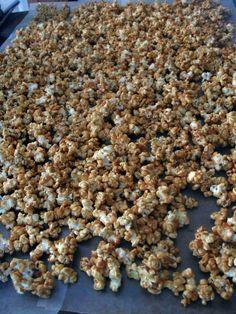 Homemade Caramel Corn #Homemade #Snacks #Popcorn