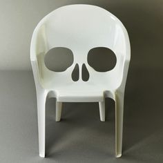 Awesome skull chair! #chairs, #skulls, #furniture