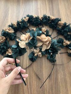 Country Style Honey Jars with Ivory Jute Fabric Flower Headbands, Kids Headbands, Fabric Flowers, Wedding Hair Fascinator, Fascinator Hairstyles, Bride Headband, Diy Headband, Henna Night, Wedding Shower Decorations