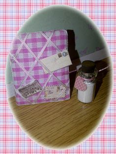Sweet little giveaway at thatch cottage blogspot.