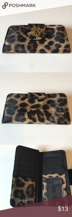 Jessica Simpson Cheetah Print Walet Used 2-3 times, great condition. Jessica Simpson Bags Wallets