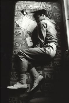 Anthony Perkins sleeping between takes on the set of Psycho, 1960.  (via butterflyeffects)