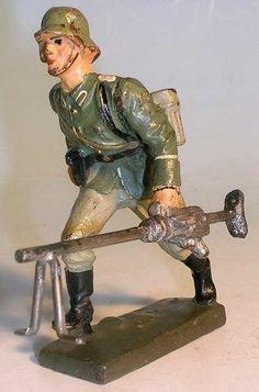 Spielzeugsoldaten 2. Weltkrieg von Lineol 7,5 cm Serie http://figurenmuseum.de/s/cc_images/cache_2455379342.jpg?t=1424424690