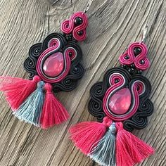 Beauty black & smoky pink earrings perfect on birthday present - made for Mrs. Mariola  . . #jewelry #stylist #handmade #soutache #jewelryaddict #boutiques #fashionjewelry #boutique #earrings #bijouterie #wholesale #bijoux #jewelrygram #fashionable #babyshowergift #soutache #jewelrydesigner #fashionblogger #birthdaypresent #jewellery #etsywholesale #womensfashion #bridaljewelery #bridalaccesories #uniquejewelry #luxuryjewellery #valentinesgifts #valentinesgift #stylizacja #walentynki #vale