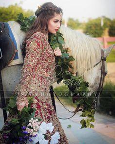 Bridal Mehndi Dresses, Desi Wedding Dresses, Pakistani Wedding Outfits, Wedding Bride, Pakistani Bridal Lehenga, Designer Bridal Lehenga, Simple Pakistani Dresses, Pakistani Dress Design, Bridal Photoshoot